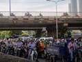 TP Hồ Chí Minh: Giao thông xáo trộn khi đóng dải phân cách gần cầu Sài Gòn