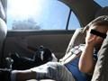 Bé 19 tháng tuổi bị bố mẹ bỏ quên trên ô tô giữa trưa nắng