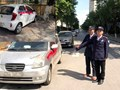 Ô tô không gửi vào bãi, nhóm bảo vệ chung cư dùng sơn xịt hàng loạt xe của cư dân ở Hà Đông