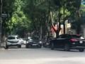 Phố Lưu Hữu Phước: Ô tô ngang nhiên biến lòng đường thành nơi đỗ xe