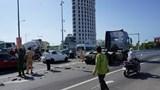 Nam công nhân tử vong dưới gầm xe container