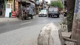 Xe ba bánh đè chết người: Oan mạng vì bục bê tông tự phát