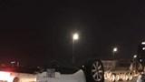 Sau va chạm với xe bồn, nữ tài xế lái Mazda nằm bất động trên cầu Nhật Tân