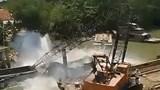 Tiếp vụ sập cầu ở Đồng Tháp: Cần cẩu gãy đôi,  xe tải rơi thẳng xuống sông