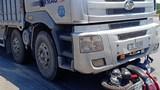 Va chạm với xe tải tại vòng xuyến, người phụ nữ tử vong thương tâm