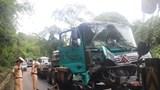 Xe đầu kéo va chạm với xe tải, đèo Bảo Lộc kẹt cứng