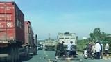 Xe tải tông tử vong 2 người đi xe máy ở Hà Nam