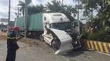 Tai nạn kinh hoàng ở TP Hồ Chí Minh: Xe container tông ô tô con, 5 người tử vong