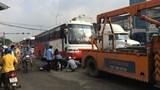 Xe chở công nhân gây tai nạn liên hoàn trên QL 51
