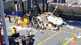 Tai nạn hi hữu: Ô tô bay lên phà, hành khách hoảng loạn bỏ chạy