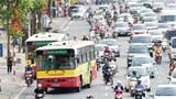 Xe buýt Hà Nội: Vật lộn với tắc đường