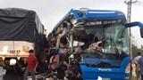 Quảng Bình: Xe khách đấu đầu xe tải, hàng chục người trọng thương