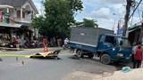 Bình Dương: Đâm vào xe tải, thiếu niên 17 tuổi tử vong trên đường