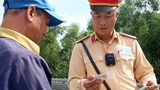 Gắn Camera ghi hình cho CSGT trong khi làm nhiệm vụ