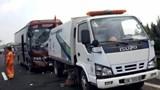 Xe khách va chạm xe vệ sinh trên đường cao tốc Pháp Vân - Cầu Giẽ, 5 người nhập viện