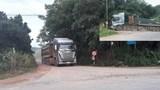 Video: Xem cách xe quá tải 'qua mặt' thanh tra giao thông Thanh Hóa