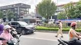Tài xế phát hoảng nhận giấy báo phạt đi vào làn BRT