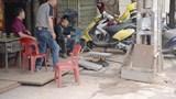 Nhức nhối những tuyến vỉa hè biến thành xưởng sản xuất ở Hà Nội