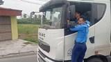 """Tài xế xe tải vượt trạm cân khiến thanh tra phải """"đánh đu"""" 3km bị phạt 72 triệu đồng"""