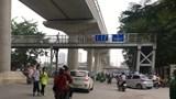 Hà Nội: Sinh viên 'bỏ lơ' cầu đi bộ vì vị trí bất cập