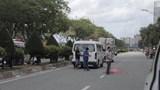 Hai xe ôm công nghệ GrabBike và Go-Viet tông nhau, nữ khách tử vong dưới bánh xe tải