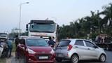 Tai nạn liên hoàn giữa 5 ô tô trên QL18, nhiều người hoảng loạn