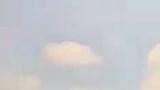 """Clip: Thanh niên chạy xe máy tạt đầu siêu xe giữa phố Sài Gòn và pha đánh lái """"toát mồ hôi"""""""