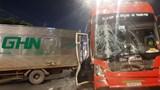 Tai nạn liên hoàn giữa 3 xe ôtô trên xa lộ Đại Hàn ở Sài Gòn