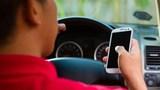 Bộ Công an đề xuất cấm dùng điện thoại khi lái ô tô cho phù hợp Công ước quốc tế