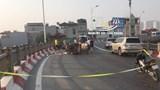 Đâm vào lan can cầu Vĩnh Tuy, lái xe ba gác tử vong