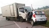 Taxi đấu đầu xe tải, 2 người tử vong tại chỗ