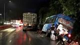 Xe khách chở 29 người đâm vào vách núi đèo Bảo Lộc