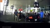 Clip: Cận cảnh vụ va chạm giữa 2 siêu xe tại sân bay Nội Bài