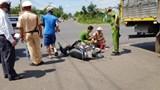 Đắk Lắk: Tông vào xe tải đang rẽ, hai học sinh thương vong