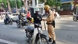 Hà Nội: Hơn 800 người đi xe máy vượt đèn đỏ trên phố cổ bị xử phạt