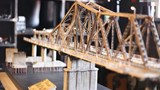 Độc đáo mô hình cầu Long Biên thu nhỏ