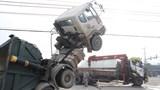 """Video: Xe tải và xe Ben """"đối đầu"""" kinh hoàng, hai người nguy kịch"""
