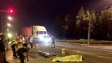 Vượt đèn đỏ, nam sinh bị container tông tử vong