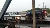 Phạt 1 triệu đồng, tước bằng lái 2 tháng tài xế lái ô tô đi ngược chiều trên cầu Đuống