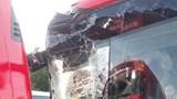 Xe chở đoàn Việt Nam gặp tai nạn trên đường đến khai mạc SEA Games 30