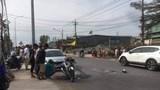 Bình Dương: Cặp vợ chồng bị ô tô đi ngược chiều cán thương vong
