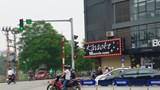Lấn làn nguy hiểm tại ngã tư Nguyễn Khang - Vũ Phạm Hàm