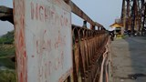 Kiên quyết xử lý tình trạng bán hàng rong trên cầu Long Biên