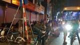 Hà Nội: Nhà xe Hưng Long độc chiếm vỉa hè đường Trần Khát Chân