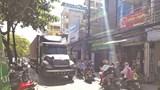 Dân phố Hạ Đình khổ vì xe siêu trường, siêu trọng