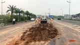 Hà Nội: Tránh đống bùn đất, 4 xe ô tô đâm liên hoàn gần sân bay Nội Bài