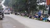 Tại huyện Quốc Oai: Chợ cóc tái diễn, vây trụ sở UBND xã
