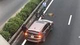 Đi bộ qua cao tốc, cụ ông bị ô tô tông tử vong
