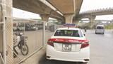 Đỗ xe tràn lan trên lòng đường phố Vĩnh Tuy
