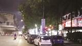 [Điểm nóng giao thông] Nhà hàng Thượng Hải lấn chiếm lòng đường, vỉa hè để trông xe